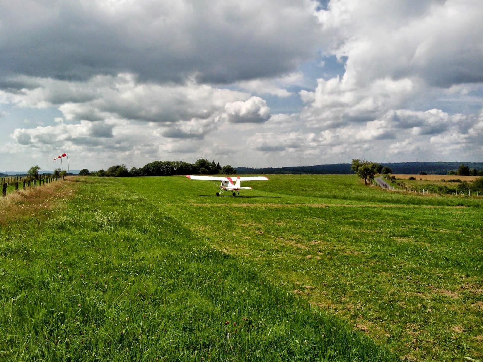 Atterrissage d'un J-300 en vidéo